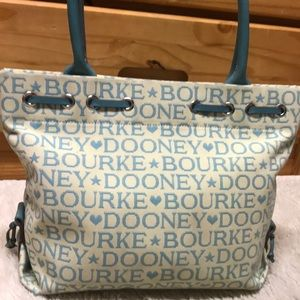 XL Dooney and Bourke shoulder bag- EUC!